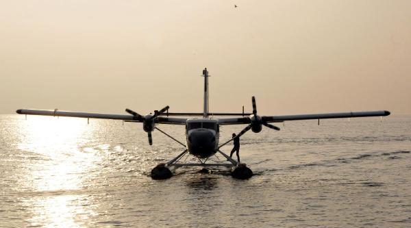 Izmit- Haliç Deniz Uçaği Seferleri Başladi
