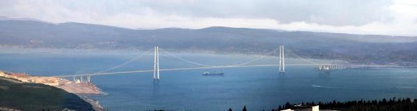 İzmit Körfezi Geçiş Köprüsü'nün Ayakları Su Üstünde Yükselmeye Başladı