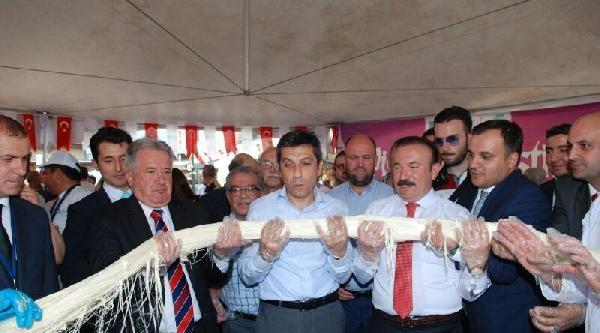 İzmit Pişmaniye Festivali, Üsküp'te Pişmaniye Çekilmesiyle Başladı