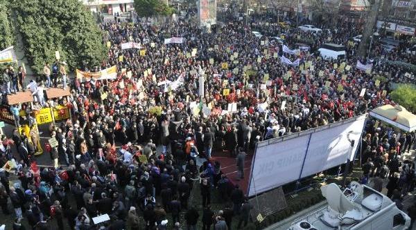 Izmit'te 10 Bin Kişilik 'milli Iradeye Sahip Çikalim' Yürüyüşü