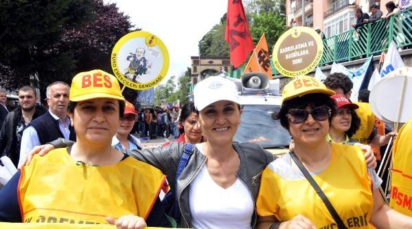 İzmit'te 1 Mayıs Yürüyüşü