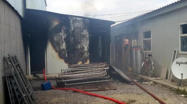 İzmit'te Avm İnşaatinda Korkutan Yangın