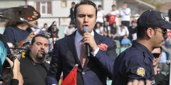 Izmit'te Cumhuriyet Bayrami'nda Mustafa Ceceli Konseri