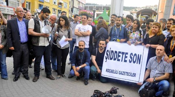 İzmit'te Gazetecilerden Polis Şiddetine Tepki