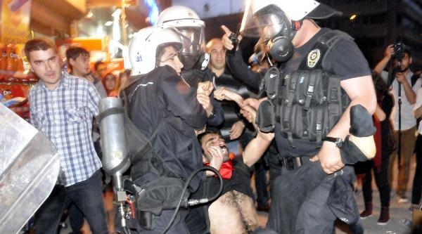 İzmit'te Soma Protestosunda Gerginlik