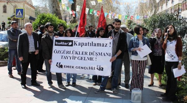 İzmit'te Twıtter'ın Kapatılmasına Protesto