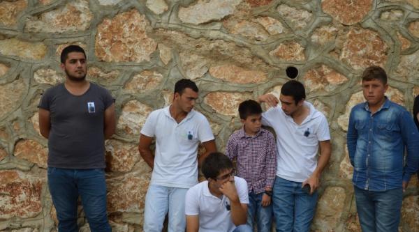 İznik Gölü'nde Boğulan Gençlerden Biri Toprağa Verildi