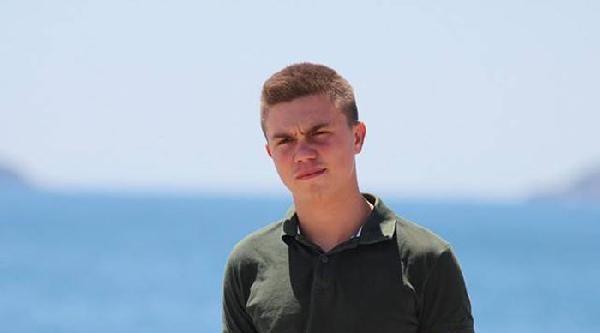 İznik Gölü'nde Kaybolan 2 Gençten Birinin Cesedi Bulundu