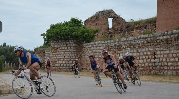 İznik'te Triatlon Heyecanı