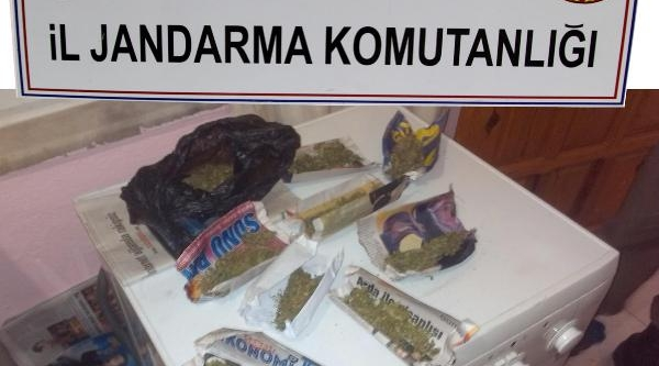 Jandarma 4 Operasyonda 11 Kilo Esrar Ele Geçirdi