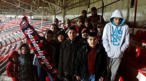 Jandarma, Çocuklari Süper Lig Maçina Götürdü