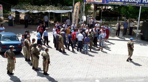 Jandarma Eşliğinde Kaçak Elektrik Baskınında Olay Çikti: 2 Kişi Yaralı