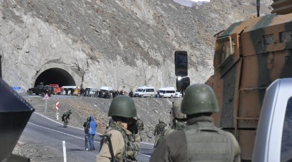 Jandarma Hakkari-Van Karayolunda Bomba Aradi