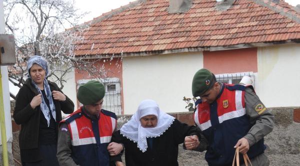 Jandarma Şehit Annesinin Tedavisini Sağladı