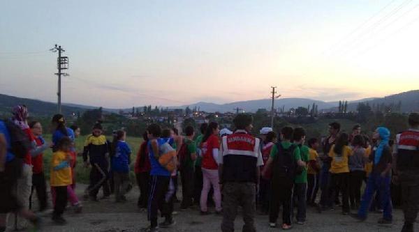 Jandarma Yönlerini Kaybeden 58 İzci Ve 2 Öğretmenlerini 5 Saat Sonra Bulabildi