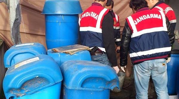 Jandarmadan Yilbaşi Öncesi Kaçak Içki Operasyonu: 1 Ton Şarap, 750 Litre Raki Ele Geçti