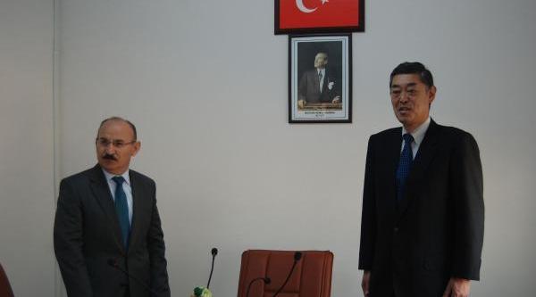 Japonya Büyükelçisi Yokoi, Nizip'te Suriyelileri Ziyaret Etti