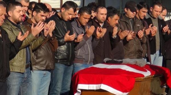 Kaçak Ocaktaki Göçükte Ölen Madencinin Cenazesi Memleketine Gönderildi (2)