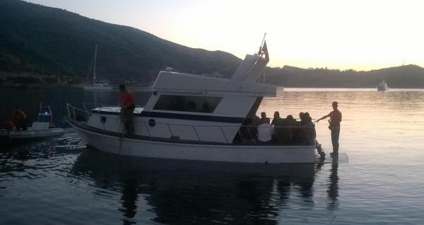 Kaçak Teknesi Sahil Güvenlikten Kaçamadı