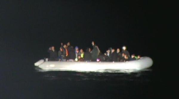 Kaçakları Sahil Güvenlik Kurtardı