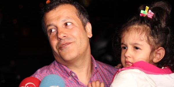 Kaçirilan Pilot Murat Ağca Halkali'daki Evine Geldi