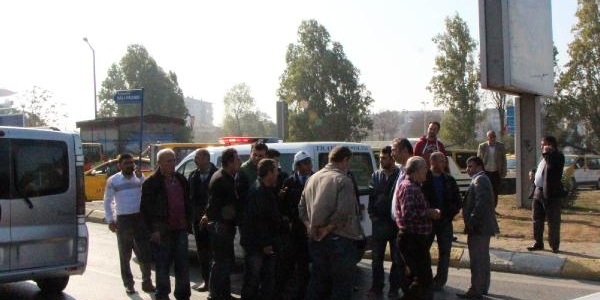 Kadiköy'de Dolmuşçu Eylemi