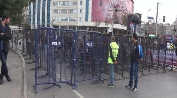 Kadiköy'de Rojava'ya Destek Mitingi (1)