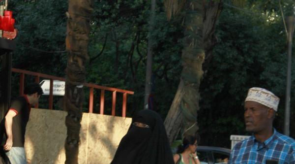 Kadıköy'de Toplanan Binlerce Kişi Zafer Bayramını Coşkuyla Kutladı