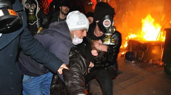 Kadıköy'deki Polis Müdahalesi Gece De Sürdü