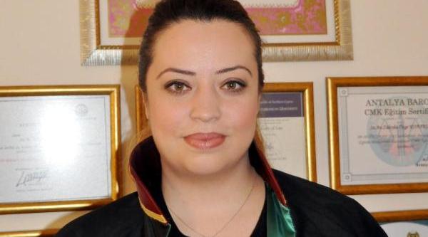Kadin Avukatin, 'polisler Psikolojik Kabadayilik Yapti' Şikayeti