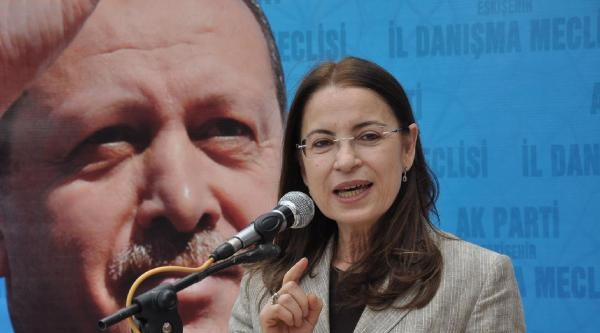 Kadın Bakan Kadın Başkandan Şalvar İstedi