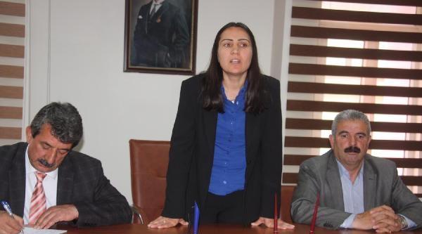 Kadın Belediye Başkanı Personeliyle Bir Araya Geldi