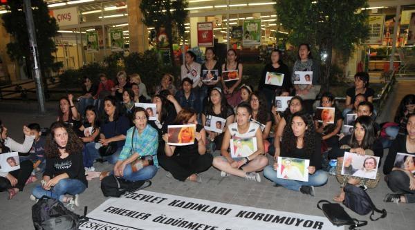 Kadın Cinayetlerini Oturma Eylemi Yaparak Protesto Ettiler