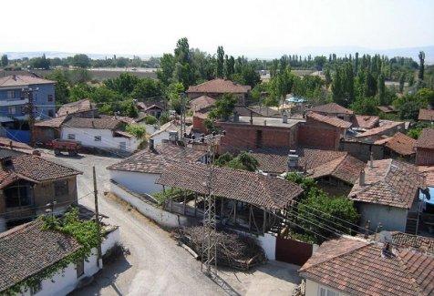 Kadın erkek ilişkilerinde ezber bozan köy!