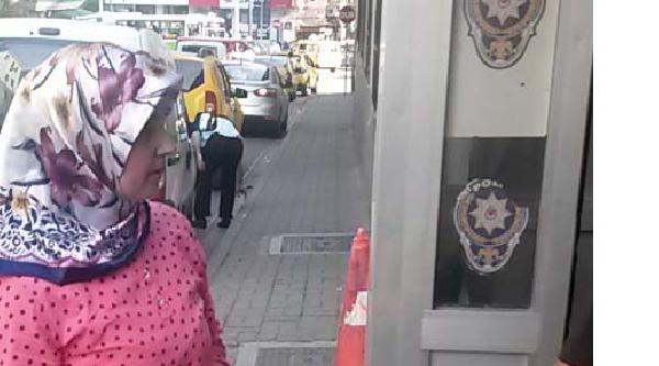 Kadın Kapkaççı Çantayi Alıp Kaçtı