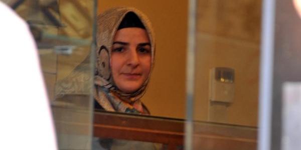 Kadin Kuyumcu, Soyguncuyu Biber Gazi Ile Kaçirdi
