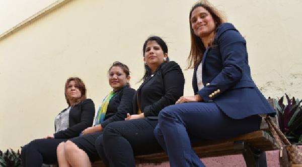 Kadın Milletvekillerine Giyim Yasağı Ülkede Tartışmalara Neden Oldu