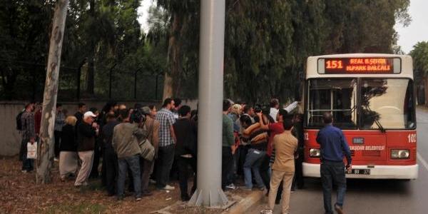Kadin Yolculari, Kadin Otobüs Şoförü Aradi