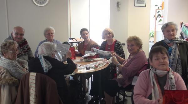 Kadınlar Gününde  Yaşlıları Ziyaret Ettiler