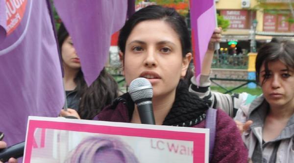 Kadınlar, Öldürülen Kuaför Nuray Yıldız İçin Toplandı