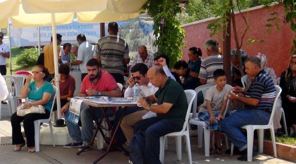 Kahramanmaraş'a Gelen Üniversite Öğrencilerine Dondurmalı Karşılama