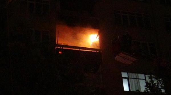Kahramanmaraş'ta 8 Katlı Binada Yangın Paniği