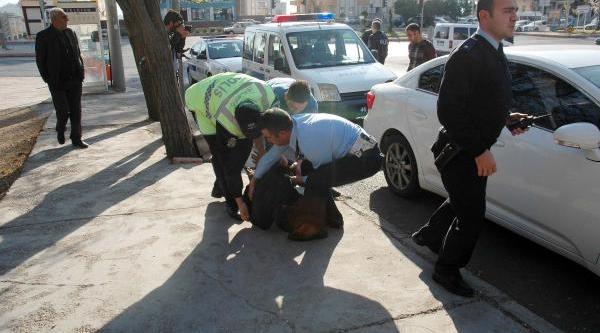 Kahramanmaraş'ta Dolandiricilik Iddiasina 3 Gözalti