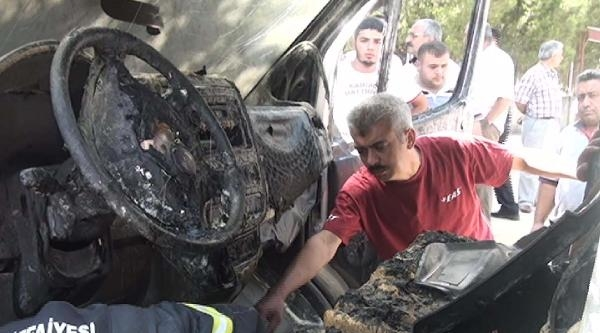 Kahramanmaraş'ta Öğrenci Servisi Kundaklandı