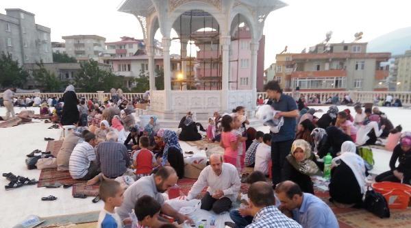 Kahramanmaraş'ta Suriyeliler'e Kardeşlik İftari