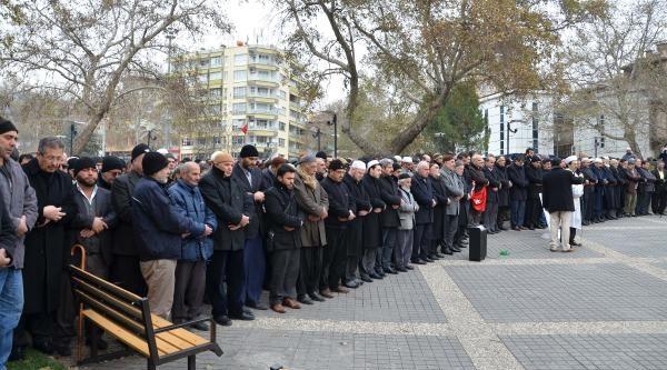 Kahramanmaraş'ta'ta Abdülkadir Molla Için Giyabi Cenaze Namazi