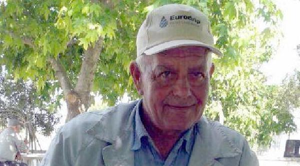 Kalp Krizi Geçiren Çiftçi, Traktörünün Altında Kalarak Öldü