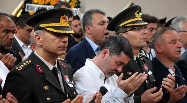 Kalp Krizinden Ölen Emekli Albay İçin Askeri Tören