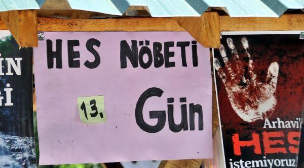 Kamilet Vadisi'nde Kaçak Hes Köprüsünü Vatandaşlar Trafiğe Kapattı
