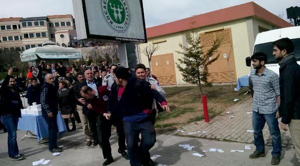 Kampüste Ak Partili Belediye Başkanına Protesto